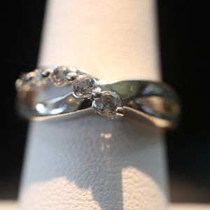 Sterling Silver Ring (5 White Stones on Crown)